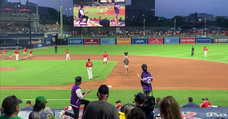 Dude Gets Brutally Rejected After Proposing At A Baseball Game